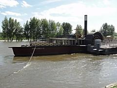 La Loire @ Orlans (Hlne_D) Tags: france river boat centre rivire aviary bateau loire fleuve orlans loiret hlned
