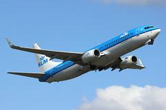"PH-BCD | Boeing 737-8K2/W | KLM ""Redwing"" (cv880m) Tags: finland helsinki boeing winglet klm takeoff hel vantaa 737 redwing 737800 738 royaldutchairlines 7378k2 phbcd"