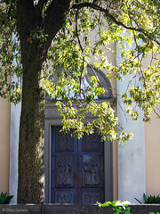 (Ecc) Tags: city italy tree chiesa dettagli albero bergamoalta