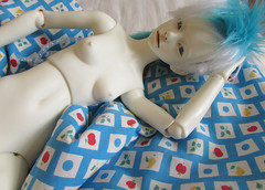 sleeping beauty (tarengil) Tags: asian doll bjd abjd sleep bed cushion pillow feather blue ws white skin resin dollmore zaoll luv