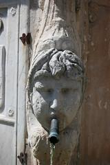 Fontaine, village de Lambesc (Provence, France) (bobroy20) Tags: lambesc provence fontaine france ancien tourisme