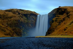 Skógafoss / Iceland (_dreamseller_) Tags: longexposure nature water river landscape island waterfall iceland wasser wasserfall hill natur north norden skandinavien nd fujifilm 1855mm scandinavia fluss landschaft fujinon langzeitbelichtung xf hügel ndfilter skogafoss xe1 nd1000 fujifilmxe1 fujinonxf1855mm