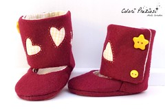 Felt baby boots (Colori Preziosi) Tags: baby yellow hearts stars star shoes heart boots handmade buttons sewing bordeaux felt giallo feltro cuori cuore babyshoes scarpe tecido sapatinhos scarpette bottoni stivaletti handmadeshoes feltshoes pannolenci coloripreziosi feltroepannolenci
