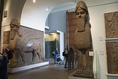 British Museum, London, United Kingdom (Tiphaine Rolland) Tags: uk greatbritain england london museum unitedkingdom statues musée londres gb angleterre britishmuseum sculptures assyrian royaumeuni grandebretagne assyrien