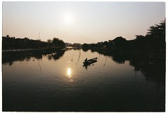 Hi An, 4/2016 (Khnh Hmoong) Tags: life street travel sunset film architecture analog 35mm river boats photography vietnam hoian analogue nikonfm kodakcolorplus200