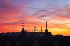 Basilique du Sacr-Cur de Montmartre, Paris (www.fromentinjulien.fr) Tags: world street city light urban paris france art history monument architecture digital photoshop sunrise canon french effects photography eos town photo europe exposure flickr raw butte cityscape photographer view shot capital montmartre sacrecoeur full frame 5d manual capitale fullframe dslr ff dri hdr ville parisian francais citt blending lightroom photographe effets 2014 conciergerie mark3 2470mm markiii parisien 2470 photomatix canonef2470mmf28l fromentin canon2470mmf28 fromus colocacin cuida a7r traitements metabones fromus75 ilce7r fromentinjulien