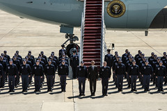 150504-F-WU507-132 (89th Airlift Wing) Tags: usa md andrews airforceone obama barackobama presidentoftheunitedstates kevinwallace 89thairliftwing presidentialairliftgroup jointbaseandrews seniormastersgtkevinwallace jointbaseanderews