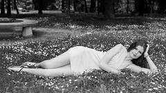 Aprs-midi estival (Pose Emotions) Tags: portrait type