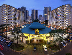 Singapore Heartlands @ Toa Payoh (gintks) Tags: sunset landscapes singapore bluehour hdb neighbourhood publichousingestate exploresingapore singaporetourismboard yoursingapore gintks gintaygintks