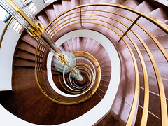 Spiral Staircase - view down (K.H.Reichert) Tags: berlin colors architecture stairs germany spiral deutschland curves stairway treppe staircase architektur spiralstaircase spirale bogen architectur citywest wendeltreppe