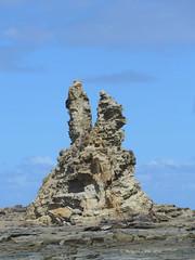Eagles nest (2) (margaretpaul) Tags: coastline eaglesnest rockformations