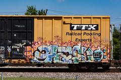 (o texano) Tags: bench graffiti texas houston trains d30 freights benching