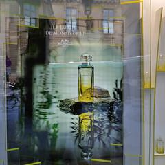 Jardin de Monsieur Li (jmvnoos in Paris) Tags: paris france ads advertising square li pub nikon perfume ad pubs publicit monsieur jeanclaude carr eaudetoilette parfum d300 carrs carre carres publicits ellena jmvnoos jeanclaudeellena lejardindemonsieurli herms