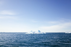GREENLAND 2/7 - HORIZON (.::CleMs::.) Tags: trip travel sunset sun horizon arctic greenland iceberg groenland icebegs