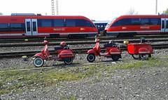 Vespa  killed the Regio Star (QQ Vespa) Tags: red rot rouge vespa eisenbahn railway zug bahnhof scooter db 200 roller trailer bahn rosso piaggio 125 regio gleis anhänger px schinen