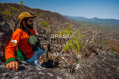CO_Chapada0240 (Visit Brasil) Tags: travel brazil tourism nature horizontal brasil natureza unesco adventure rvore pedra chapada cavalcante ecoturismo vegetao ecotourism centrooeste penhascos comgente diurna pontedepedra visitbrasil