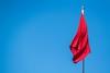 Slapt, rødt flagg mot blå himmel (Robin Lund) Tags: red flag banner communism flagg 1mai flagging fane rødt fridag kommunisme europavei6 arbeiderbevegelse flaggdag arbeidernesinternasjonalekampdag arbeidskamp arbeiderbanner arbeiderflagg demonstrasjonsdag kommunistflagg