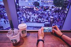 Hormiguitas / Ants (Marc Carrera) Tags: street apple window coffee japan tokyo crossing shibuya streetphotography casio starbucks voyeur ants fujifilm streetphoto shibuyacrossing tokio xt1 bestviews fujistas fujifilmxworld iphone6s fujixt1 fujifilmxworldes fujifilmespaña