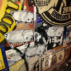 Pups in Post Alley (starheadboy) Tags: seattle pikeplacemarket postalley streetart
