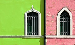 untitled (montagnana - padova, italy) (bloodybee) Tags: montagnana padova padua italy europe street window house facade urban building shadow shutter gutter wall green pink 365project