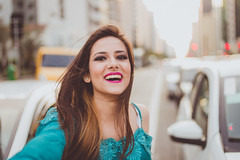 In the street (marcospaula) Tags: street portrait people woman cars smile fun ensaio happy retrato mulher linda diverso rua paulista risos avpaulista sorrisos luznatural esession corpofeminino fotografoprofissional marcospaula fotograforiodejaneiro fotografosaopaulo retratosfemininos vidafeliz marcospaulafotografia mulhereluznatural