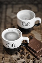 Caf maison (digiphoto.nl) Tags: coffee koffie caf cup drink food chocolate chocolatecookie tray hotbeverage beans coffeebeans