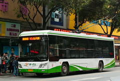 电车新世代/New Generation Trolleybus (KAMEERU) Tags: guangzhou bus public transportation trolleybus bj5120a