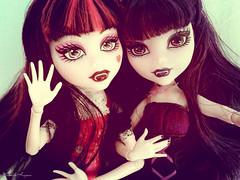 Selfie with my sister <3 (elissabatkirishiki) Tags: doll sister vampire mh monsterhigh draculaura kirishiki elissabat marildahungria