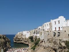Lama Monachile. (sangiopanza2000) Tags: houses sea italy beach italia mare case puglia spiaggia cala baia apulia polignanoamare sangiopanza