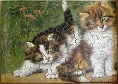 Zwei kleine Katzen (Leonisha) Tags: cat wooden chat penelope kittens puzzle katze jigsawpuzzle ktzchen holzpuzzle