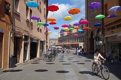 Ferrara - italy (phentonit) Tags: italien italy colors umbrella italia sony emilia ferrara colori paraguas italie itlia  parapluie romagna  guardachuva italya regenschirm  paraply  wochy allaperto  ombrelli  italija  payong rx100   bellitalia