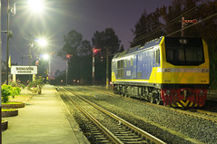 CSR-SDA3 No.5115 (KumaYami) Tags: light red tree train dawn rail railway system stop rails locomotive signal u20 semaphore khonkaen csr khon kaen 5115 signalling     qishuyan      sda3     csrsda3