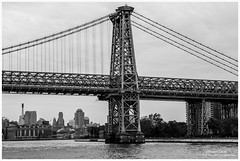 Manhattan Bridge (Moyse911) Tags: park new york city bridge urban rescue usa newyork building love rock brooklyn jaune square liberty fire amazing fuji state time top manhattan taxi great central grand libert empire flatiron ville unis amricain xe1 amerique tats xt1 dowtone mildeltown