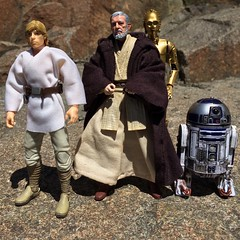 """Mos Eisley Spaceport. You will never find a more wretched hive of scum and villainy. We must be cautious."" Obi-Wan Kenobi (chevy2who) Tags: new black toy actionfigure hope star luke anh r2d2 series wars c3po hasbro skywalker obiwan kenobi"