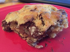 Chocolate Chip Walnut Cookie from Levain Bakery in New York City (jbowers789) Tags: food dessert cookie chocolatechipcookie levainbakery