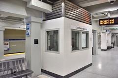 DSC_1536 (billonthehill2001) Tags: boston subway mbta governmentcenter greenline blueline