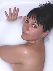 Baño (Agustin 68) Tags: woman sexy mujer retrato olympus modelo sensual boudoir fotografia sesion baño ester desnudo artistico erotico e510 posado reportaje luznatural molletdelvalles fotografiacreativa reportajefotografico