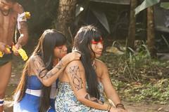 Yawalapitis - Xing (lorrabbit.fotografia) Tags: azul indian xingu brazilianindian yawalapiti povosdoxingu