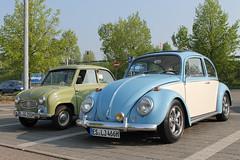 VW Beetle 1300 and Goggomobil (1957) (Mc Steff) Tags: two vw bug volkswagen beetle 1957 tone kfer 1300 twotone 2014 goggomobil goggo breuningerland