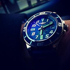 Breitling Super Ocean 42 (JoshHomme2A) Tags: blue car watch voiture bleu m8 diver montre htc breitling