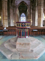 Coventry - Holy Trinity Church (pefkosmad) Tags: uk england church worship interior medieval font coventry middleages warwickshire holytrinitychurch englandsthousandbestchurches