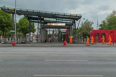 HCV000001 (Madis Luik) Tags: street city morning summer orange sunrise photography cityscape sommer strasse hamburg clean worker sonnenaufgang morgen frueh frh arbeiter strassenfotografie