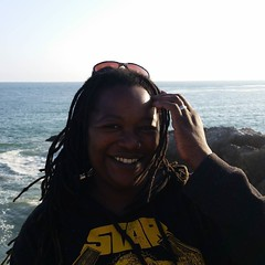 #MyDayinLA I get vertigo watching cliff scenes on TV. Shocked myself by going to the edge of the cliff for this selca. #12blaxx #losangeles #malibu #beach #selca (Anika Malone) Tags: ocean beach photography pacific malibu leocarrillostatebeach anikamalone instagram 12blaxx