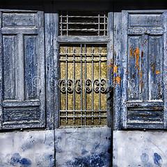 (Gallo Quirico) Tags: door blue azul puerta decay vieja textures texturas astorga decadencia