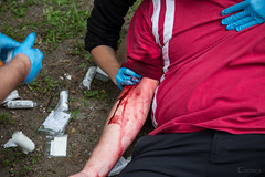 STOP the bleeding! (Crones) Tags: people rescue canon czechrepublic cz masked cpr 6d maska 24105mmf4lisusm 24105mm canonef24105mmf4lisusm canoneos6d zachrana maskovani prvnipomoc prpom