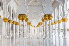 Pillars of Grand Mosque (Jamsheed Photography) Tags: pillar white gold mosque religion grandmosque abudabhi reflection marble architecture building drawings identitical symmetry symmetric