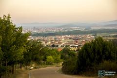 Vistas de Astorga (edmoberti) Tags: church fuente iglesia paisaje castillo pilgrim caminodesantiago peregrino astorga albergue rabanaldelcamino hospitaldeorbigo