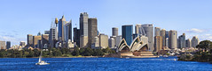 AUSTRALIE (Voyages Lambert) Tags: capitalcities buildingexterior royalty citylife downtowndistrict skyscraper officebuilding yacht tallhigh modern famousplace architecture urbanscene panoramic sydney australia day summer tower financialdistrict harbor urbanskyline cityscape city cityline
