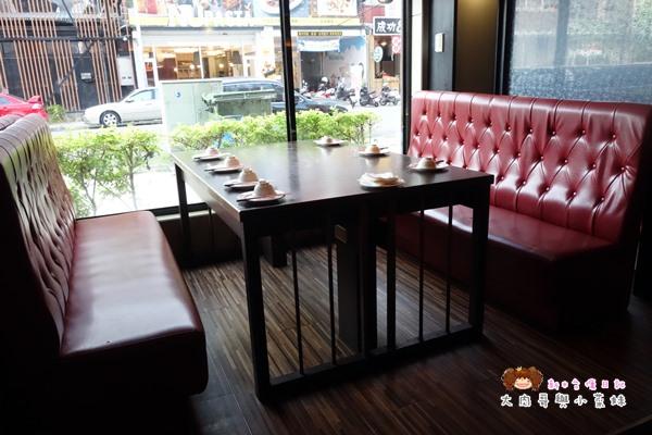歐麥主題餐廳環境 (6).JPG