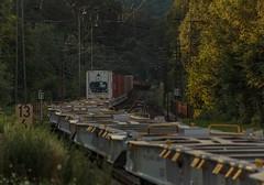 1422_2016_07_08_Baunatal_Guntershausen_BOXX_6193_841_mit_neuen_60'_Containerwagen_und_wenigen_Containern_DGS_69261_Hamburg_Waltershof_Altenwerder_Ost_-_Mnchen_Ri (ruhrpott.sprinter) Tags: ruhrpott sprinter geutschland germany nrw ruhrgebiet gelsenkirchen lokomotive locomotives eisenbahn railroad zug train rail reisezug passenger gter cargo freight fret diesel ellok hessen inselbahnhof guntershausen bebra boxxboxxpress db cantus hebhlbahn mrcedispolok prontorail rbk sbbc spagspitzke txltxlogistik wwwdispolokcom xrail 101 114 115 146 120 51 152 155 182 185 193 427 428429 482 628928 946 makde27001251 es64u2 es64f4 pbz ic re outdoor logo graffiti natur gterwaggon gterwagen